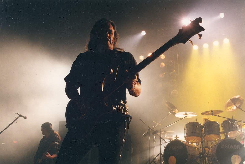 Концерт Motörhead в России в 1997 году. Фото: TCI